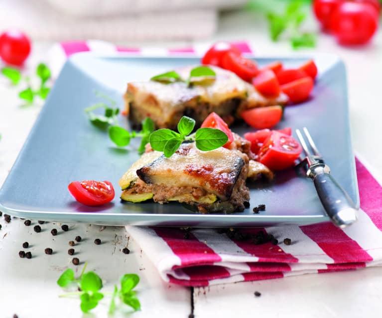 Zapiekanka z mielonym mięsem, bakłażanem i cukinią