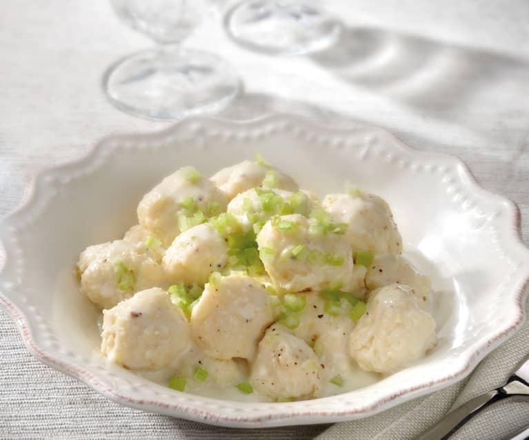 Gnocchi de céleri-rave à la sauce Castelmagno