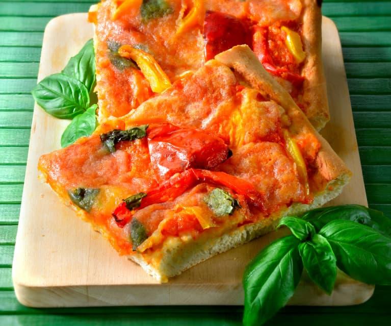 Pizza mit Peperoni