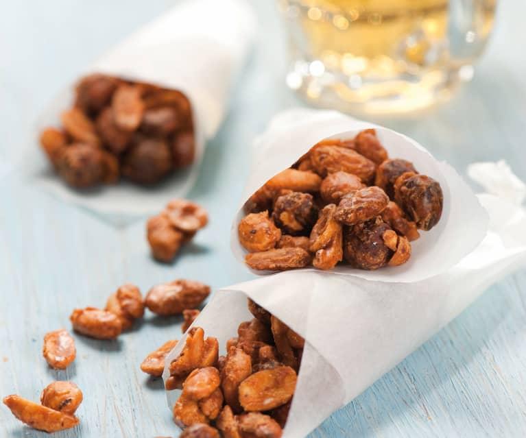 Sladce pikantní ořechy