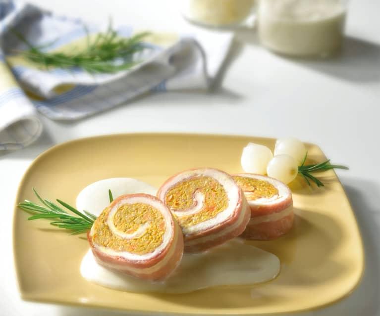 Rotolo di pollo e speck con salsa al cipollotto